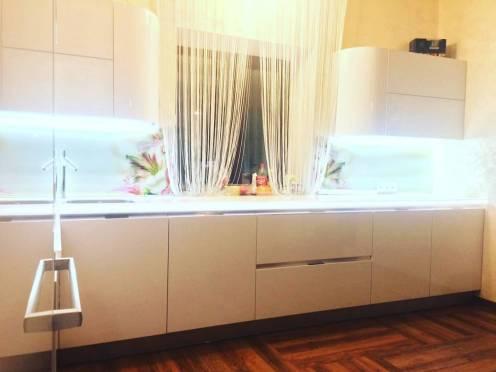 подсветка кухни подствека стеклянного фартука